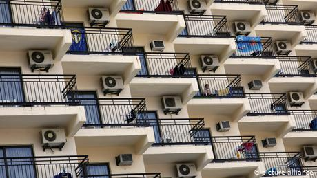 Does air conditioning help spread the coronavirus?