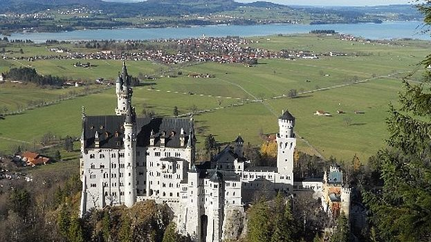 Picture of the Neuschwanstein Castle.